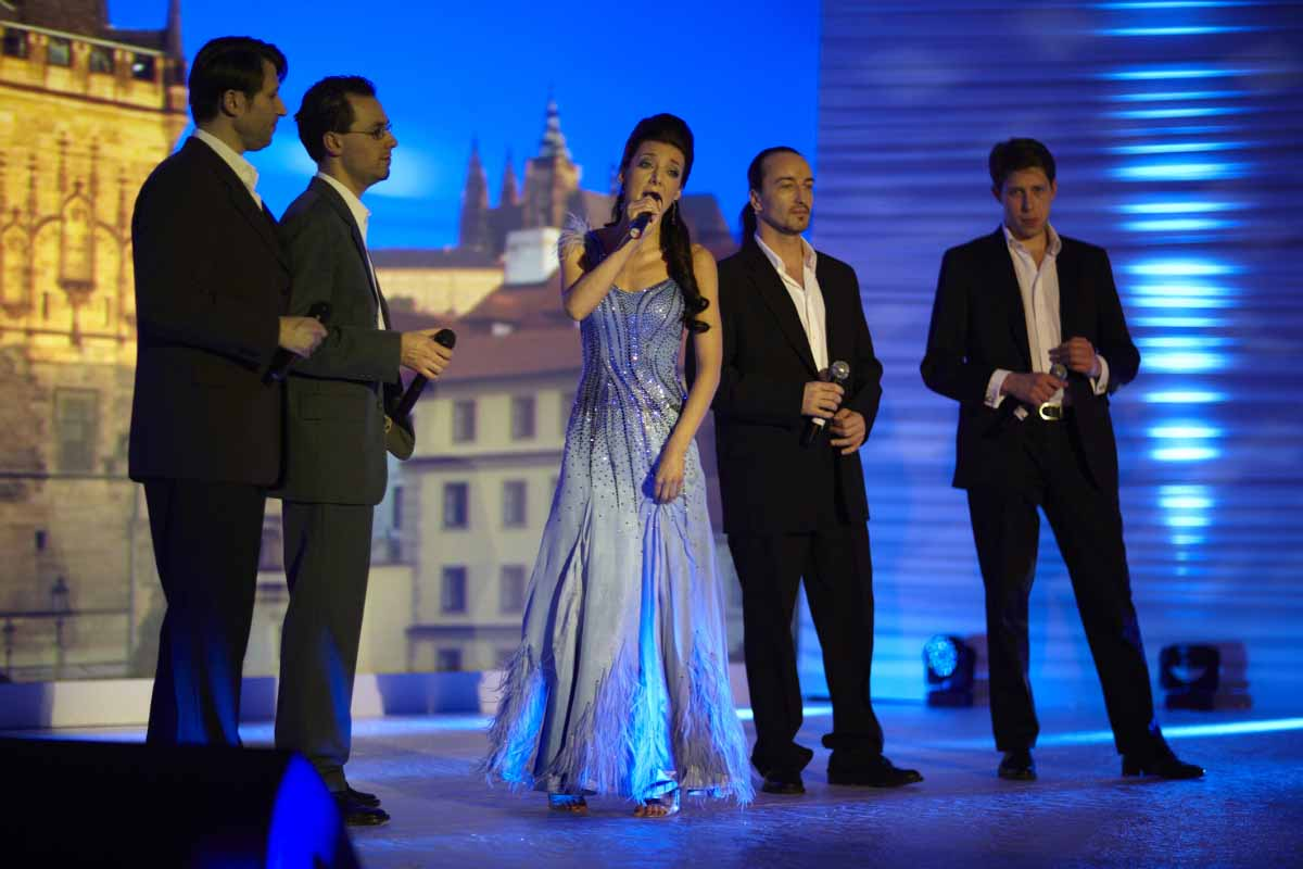 Singers in Prague gala dinner event production for SAMSUNG