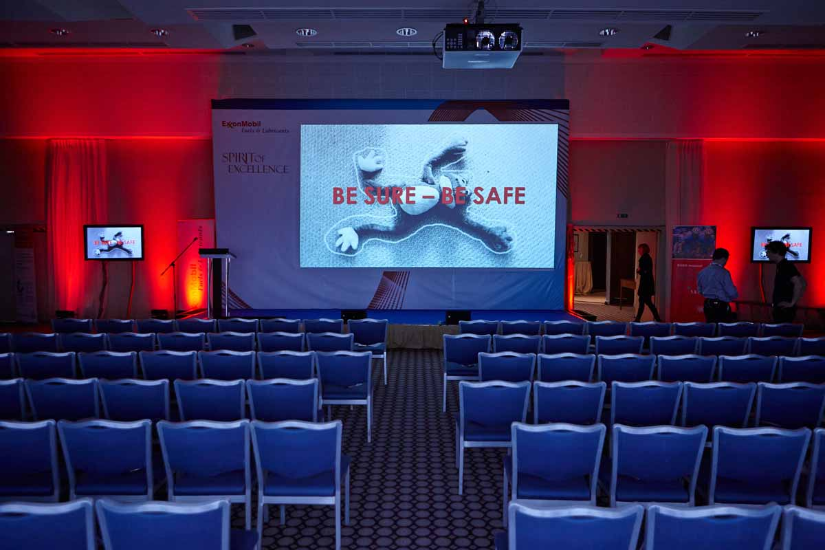 Conference support stage design professionally organized by Maxin PRAGUE