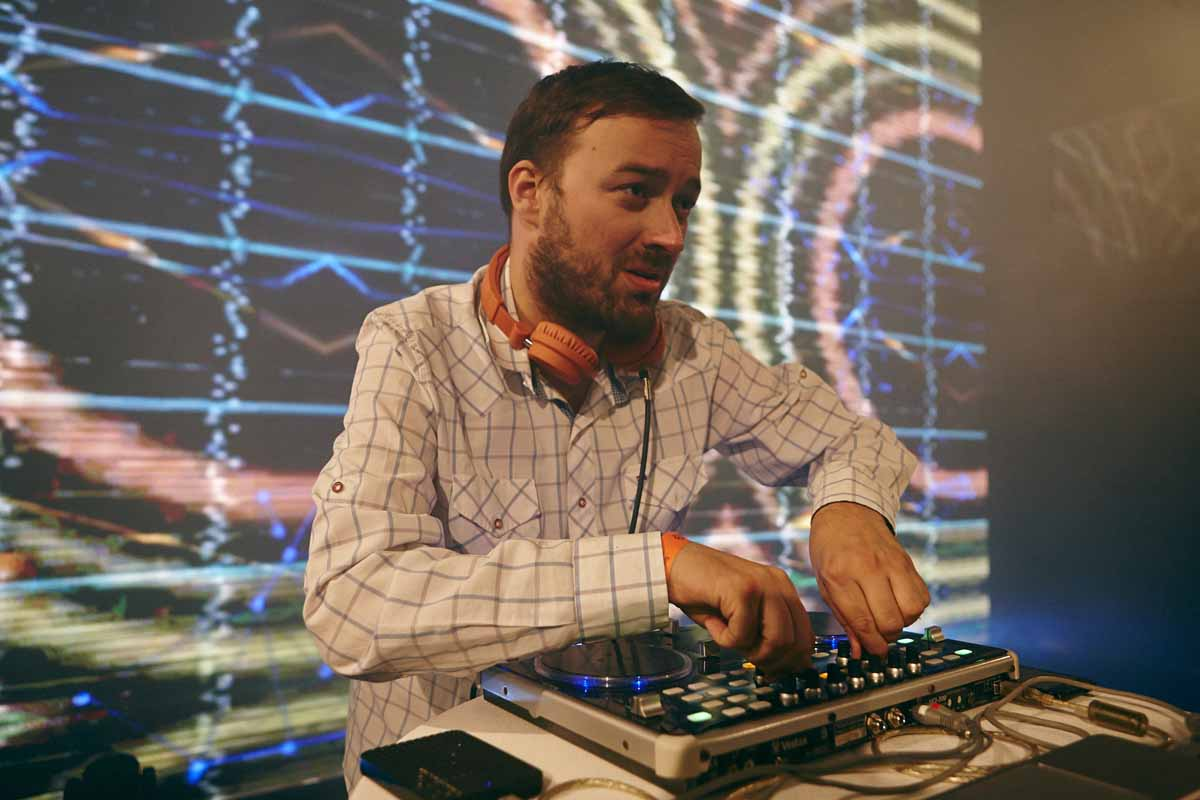 DJ entertains guests of Prague annual conference award ceremony afterparty