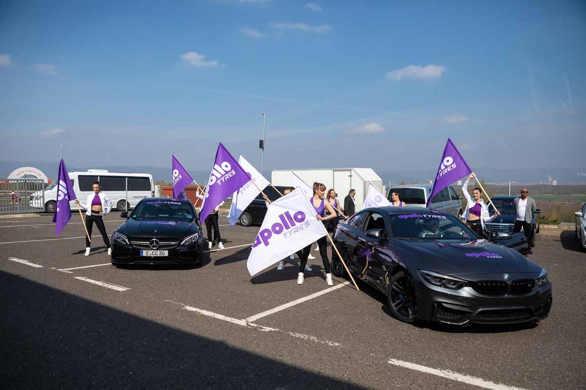 Exkluzivní vozy zaujaly hosty velkého incentivního programu zorganizovaného nedaleko Prahy