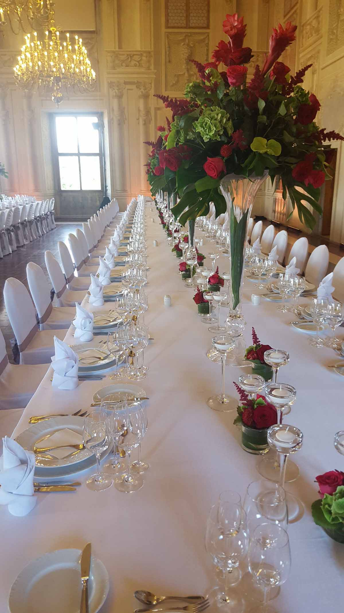 Detail profesionálně zorganizovaného setupu pro event v královském paláci v Praze