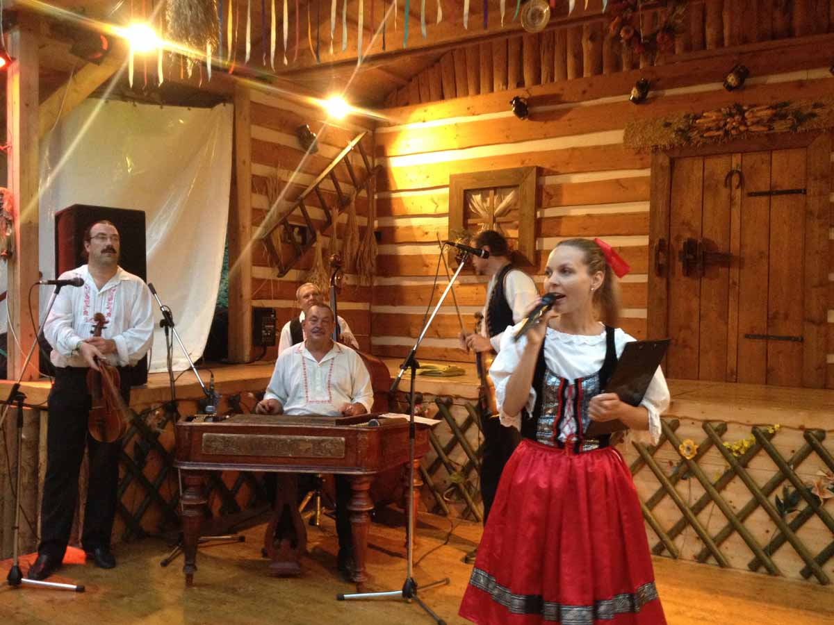 Traditional Czech folk cultureduring Prague incentive program