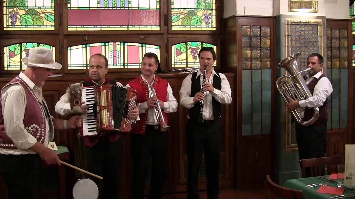 Traditional Czech folk music welcoming and entertaining guests of Prague incentive program
