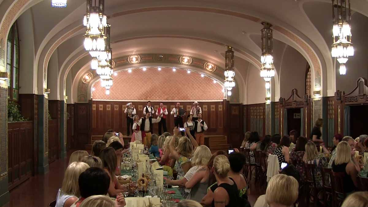 Traditional Czech restaurant hosts Prague incentive trip for a British client