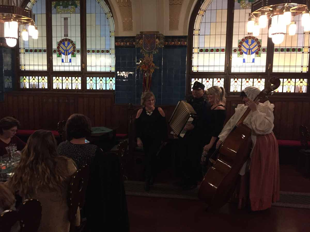 Traditionally Czech restaurant and folk musicians welcomed intentive program in Prague