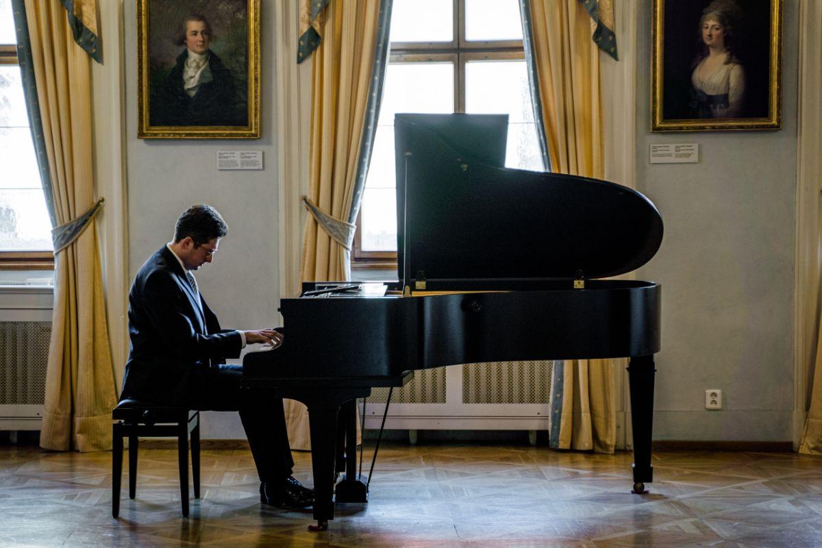 Privátní koncert klavírního virtuóza