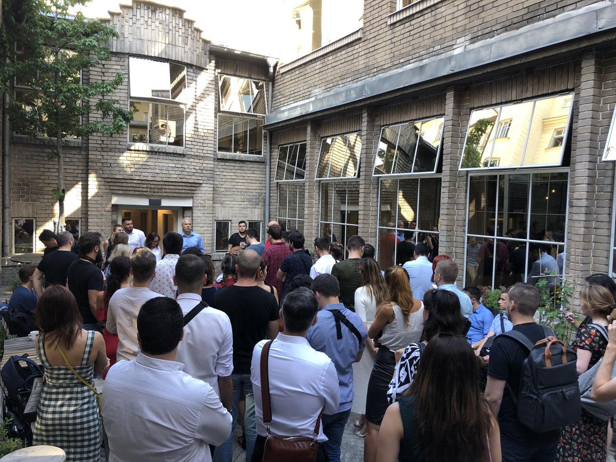 Publikum eventu s pouzitim QuickSpace v Praze